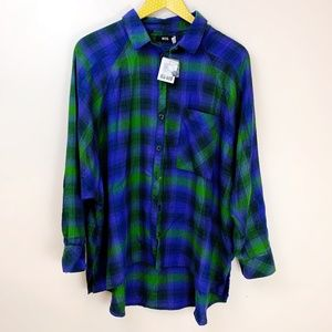 BDG NWT Oversized Flannel Button Down Plaid Shirt